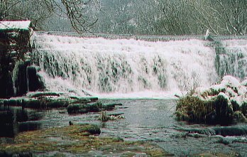 The weir in January 2002